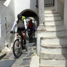 biking in Thiarsia alley